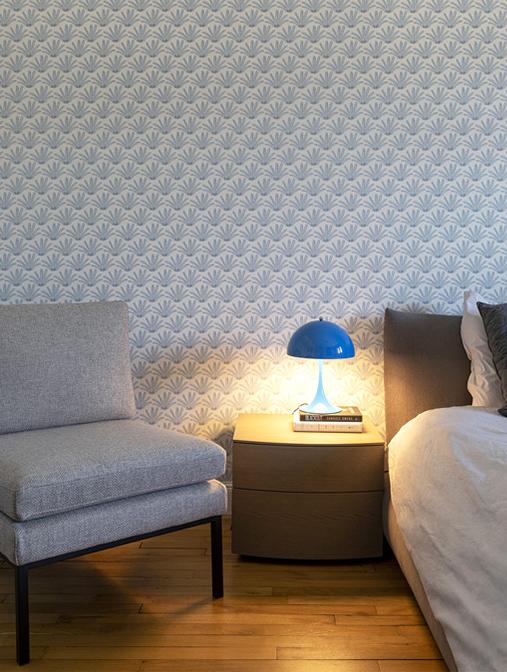 Chambre et fauteuil maison